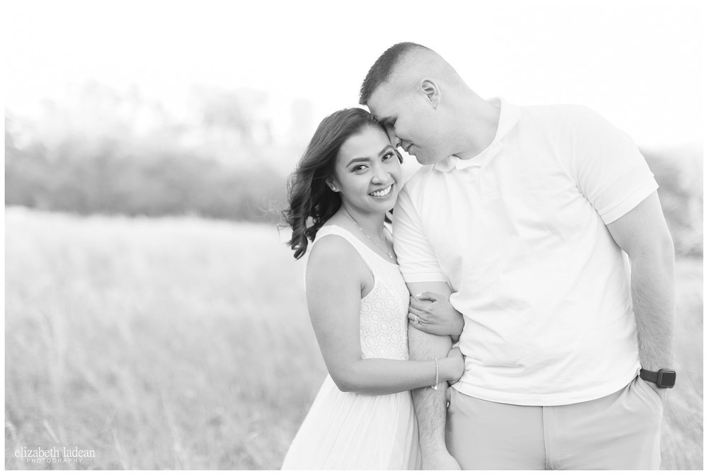 Open-Field-Engagement-Photos-KC-Photographer-L+T-2017-Elizabeth-Ladean-Photography-photo_0606.jpg