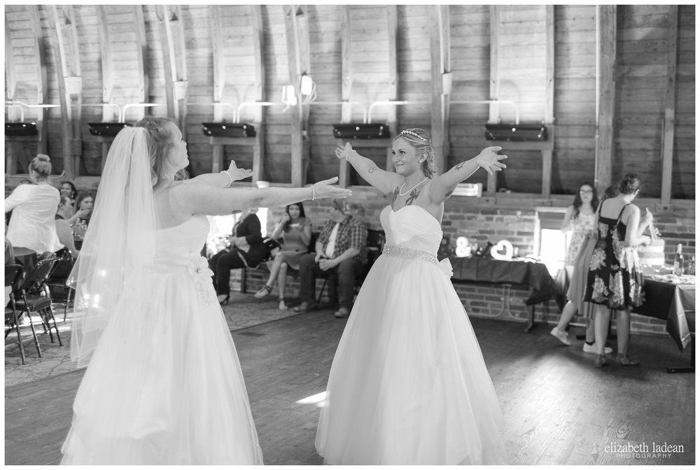 Thompson-Barn-Kansas-Wedding-Photography-R+J-0505-Elizabeth-Ladean-Photography-photo_0712.jpg