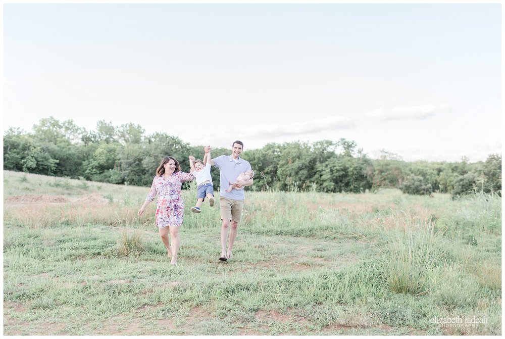 Kansas-City-Family-Photography-KC-Photographer-W2017-Elizabeth-Ladean-Photography-photo_1788.jpg
