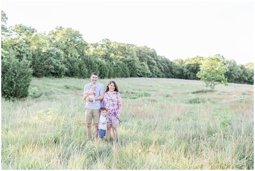 Open-Field-Family-Photos-KC-Photographer-W2017-Elizabeth-Ladean-Photography-photo_0594.jpg