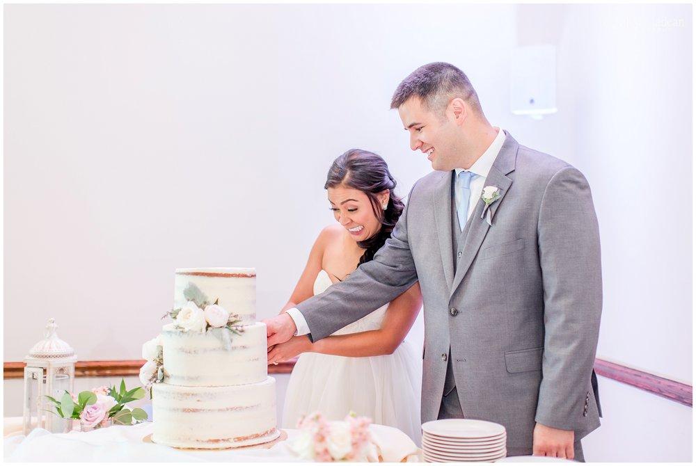Kansas-City-Wedding-Photography-Holy-Trinity-Stone-Chapel-St-Andrews-Golf-L+T0717-Elizabeth-Ladean-Photography-photo_2041.jpg