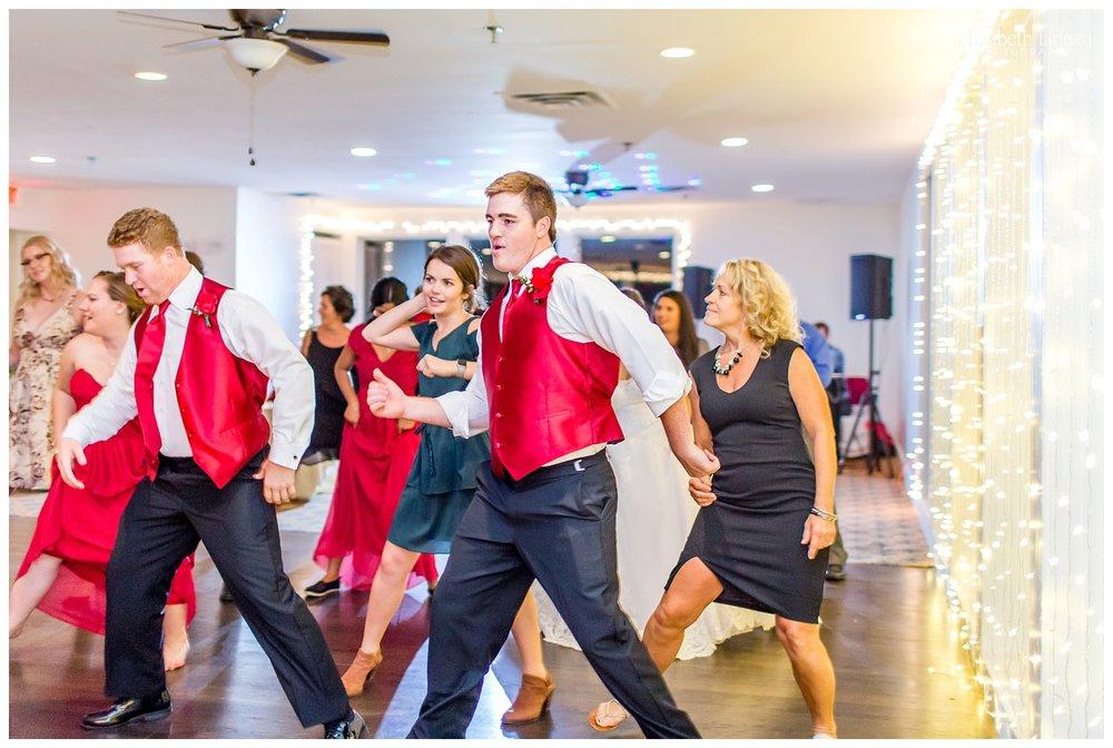 Deer-Creek-Wedding-Photos-Kansas-H1014-Elizabeth-Ladean-Photography-photo-_3958.jpg