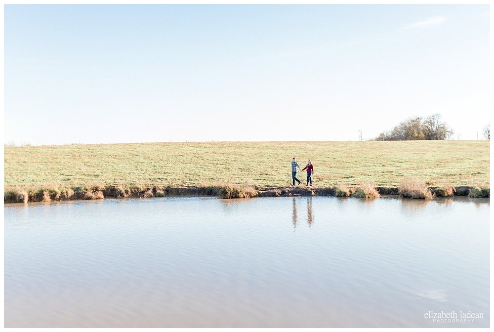 Family-Farm-Hay-Bales-Engagement-Photos-H+J2017-Kansas-City-Elizabeth-Ladean-Photography-photo-_5054.jpg