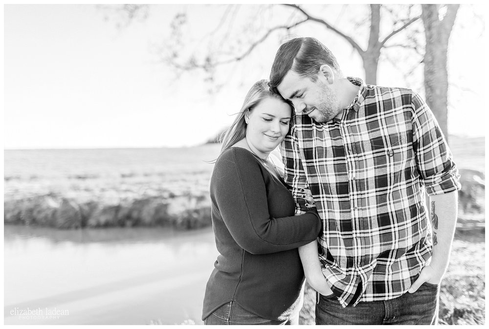 Family-Farm-Hay-Bales-Engagement-Photos-H+J2017-Kansas-City-Elizabeth-Ladean-Photography-photo-_5055.jpg