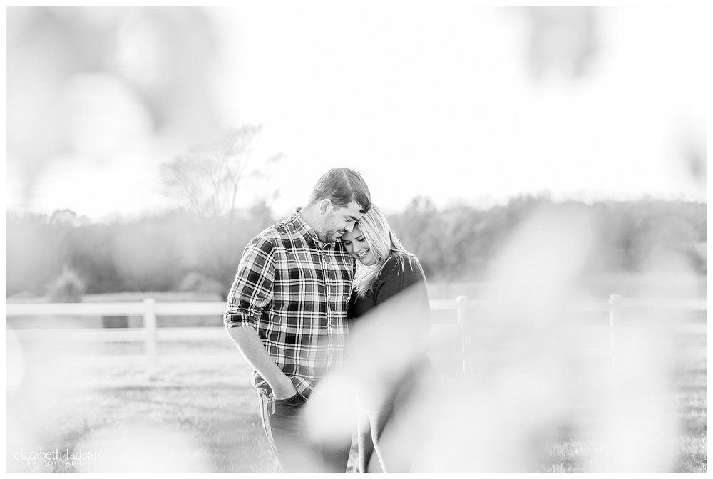 Family-Farm-Hay-Bales-Engagement-Photos-H+J2017-Kansas-City-Elizabeth-Ladean-Photography-photo-_5065.jpg