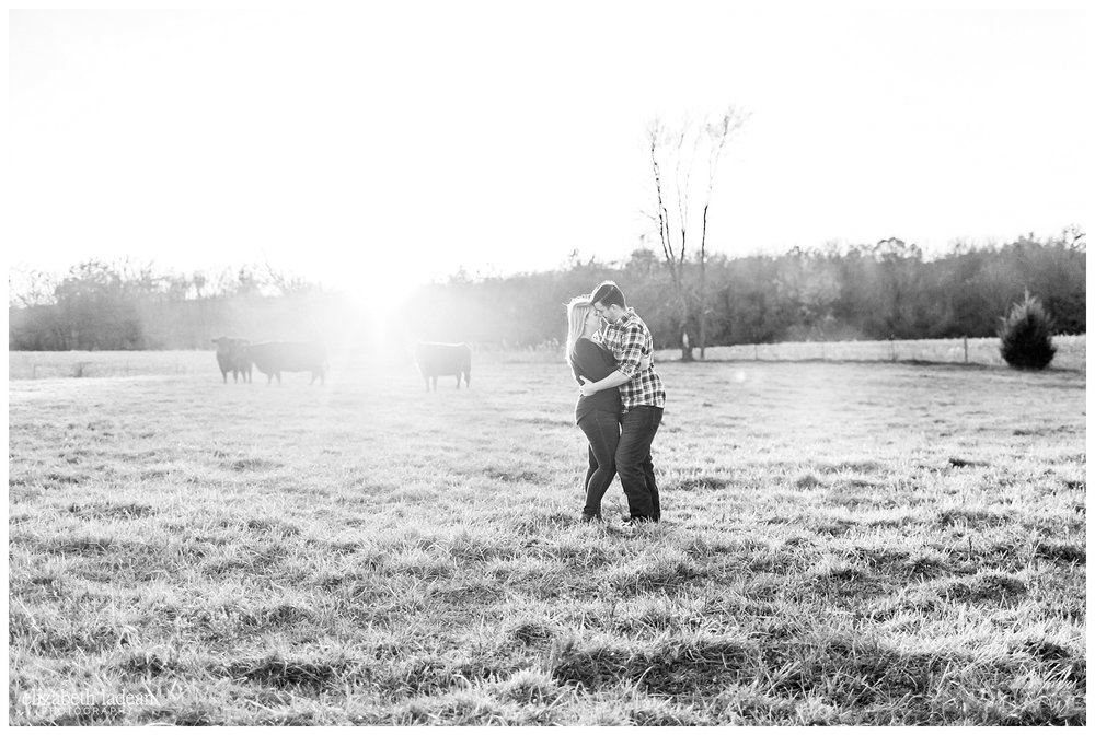 Family-Farm-Hay-Bales-Engagement-Photos-H+J2017-Kansas-City-Elizabeth-Ladean-Photography-photo-_5066.jpg
