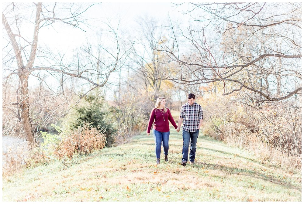 Family-Farm-Hay-Bales-Engagement-Photos-H+J2017-Kansas-City-Elizabeth-Ladean-Photography-photo-_5067.jpg