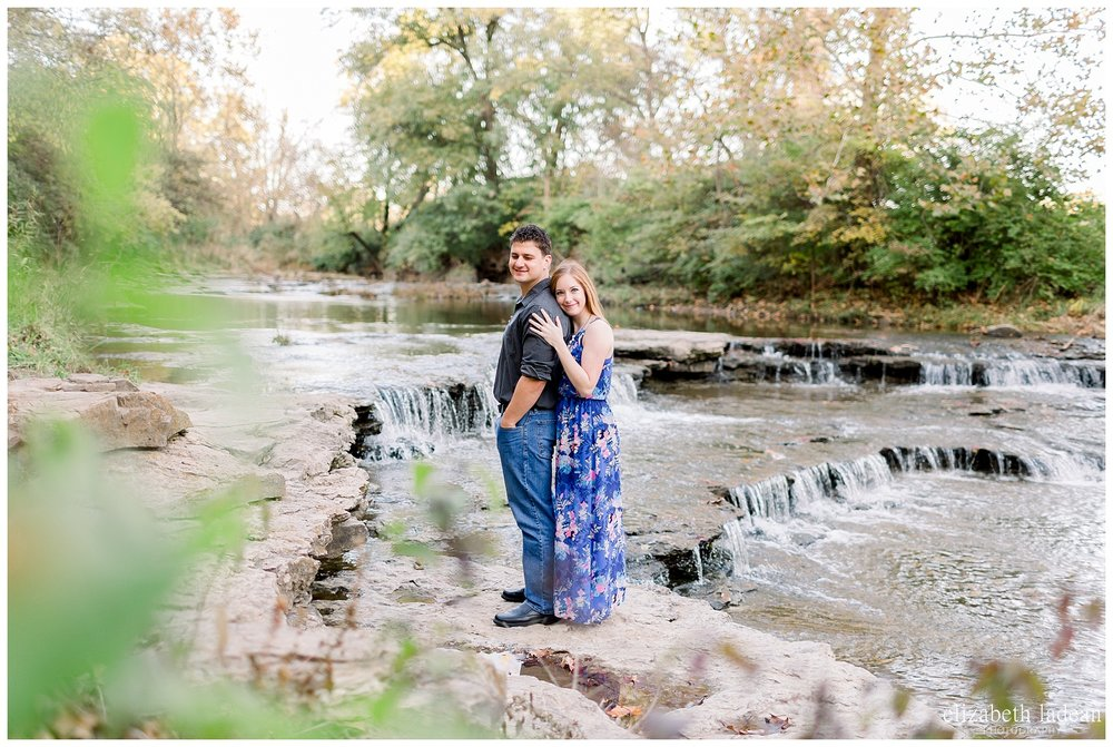 Northland-KC-Fall-Engagement-Photos-with-dog-A+B-2018-elizabeth-ladean-photography-photo_1489.jpg
