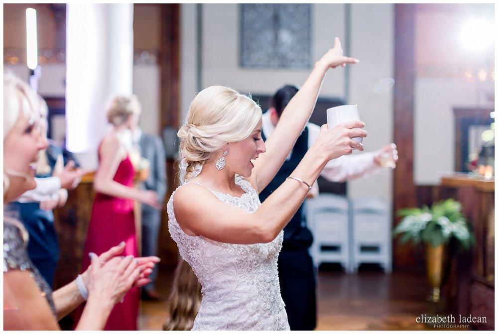 Downtown-Kansas-City-Wedding-Photos-L+B-101318-elizabeth-ladean-photography-photo_1619.jpg