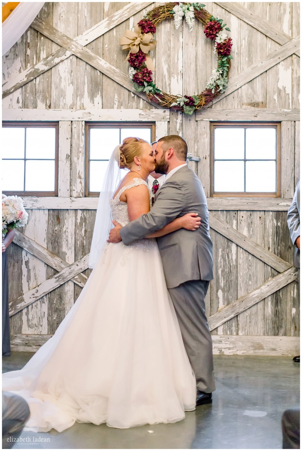 Weston-Timber-Barn-Wedding-Photography-L+A-elizabeth-ladean0photo_1897.jpg
