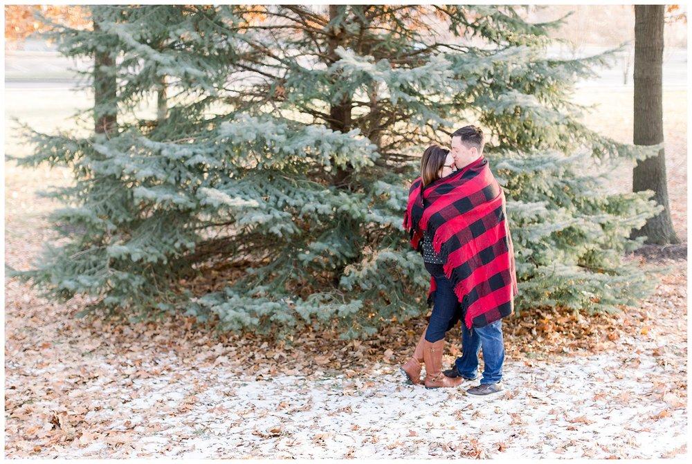 wintertime engagement pics