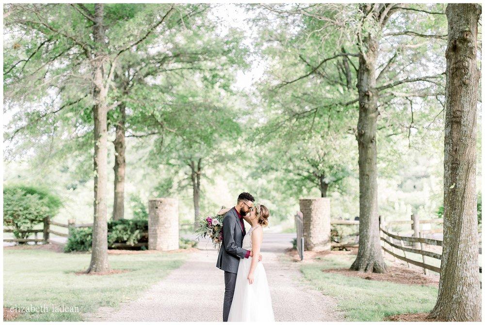 wedding photos at the barn at riverbend