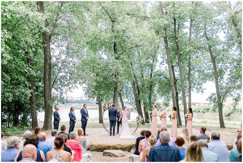 -Adventurous-Kansas-City-Worldwide-Wedding-Photographer-2018-elizabeth-ladean-photography-photo_3036.jpg