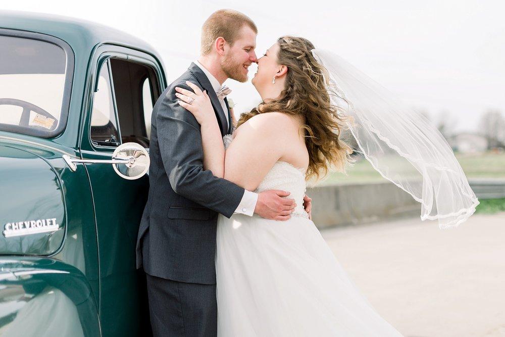 adventurous-authentic-wedding-engagement-photography-kansas-city-elizabeth-ladean-photo_5445.jpg