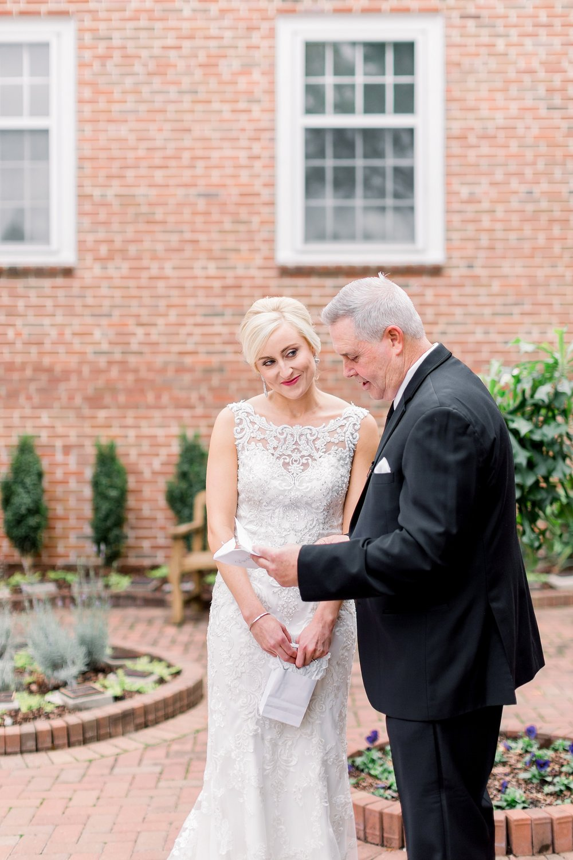 adventurous-authentic-wedding-engagement-photography-kansas-city-elizabeth-ladean-photo_5462.jpg
