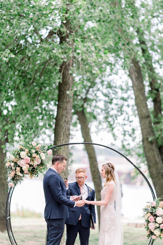 adventurous-authentic-wedding-engagement-photography-kansas-city-elizabeth-ladean-photo_5476.jpg