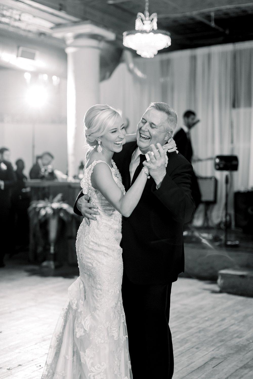 adventurous-authentic-wedding-engagement-photography-kansas-city-elizabeth-ladean-photo_5534.jpg