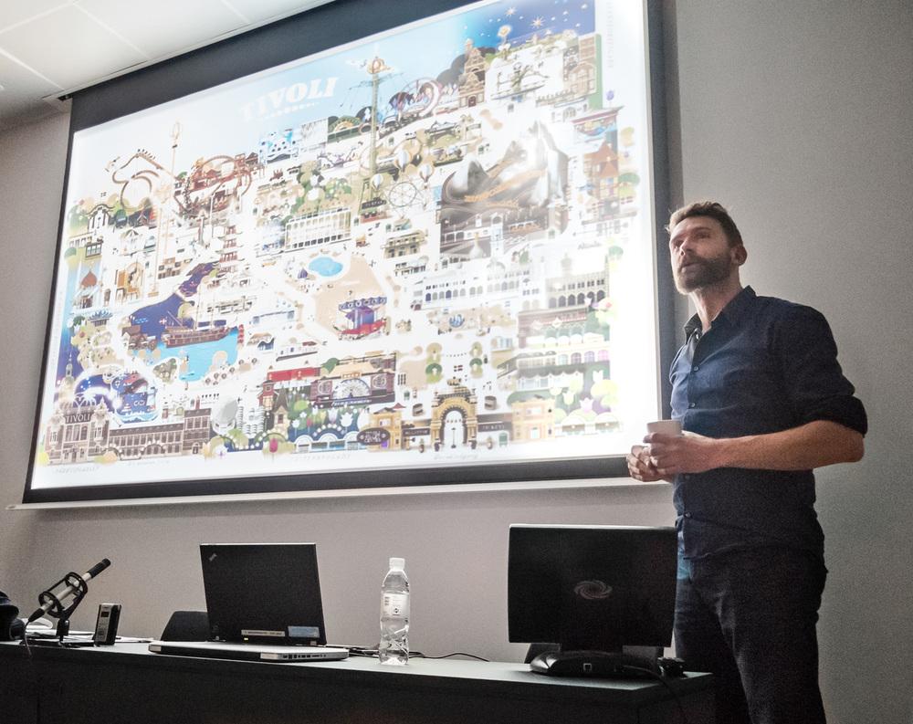 Mads fortæller om arbejdet med visuelle kort til forlystelsesparker i hele verden - her Tivoli. Kortene bliver til i samarbejde med partneren Martin i firmaet  visualmaps.com