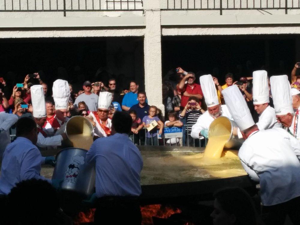 giant-omelette-festival-pouring-eggs