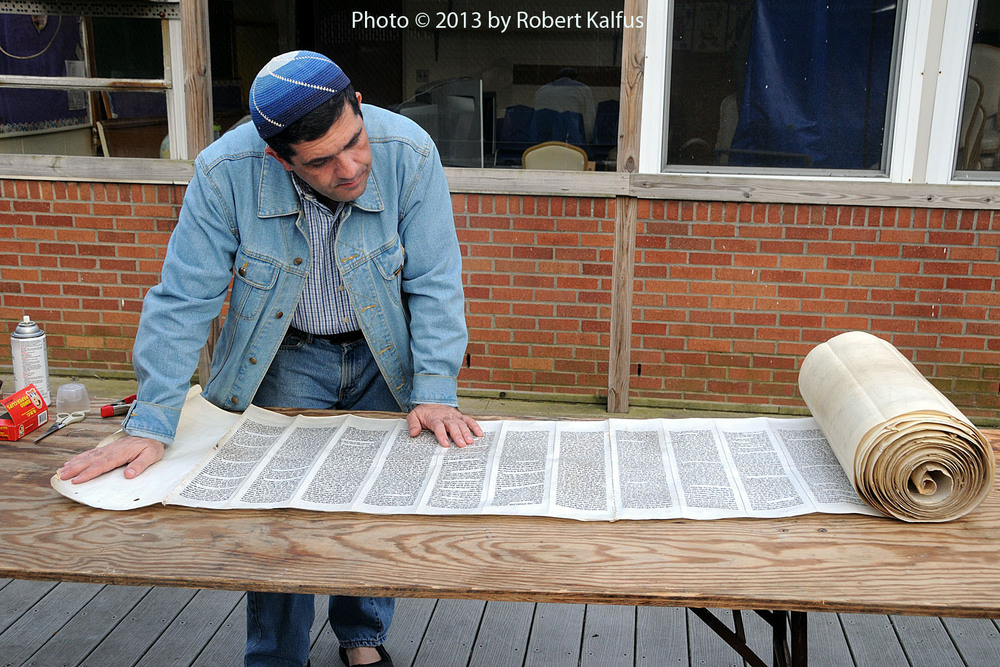 Rabbi Viñas checks an Iraqi Torah scroll destined for Ecuador (2)