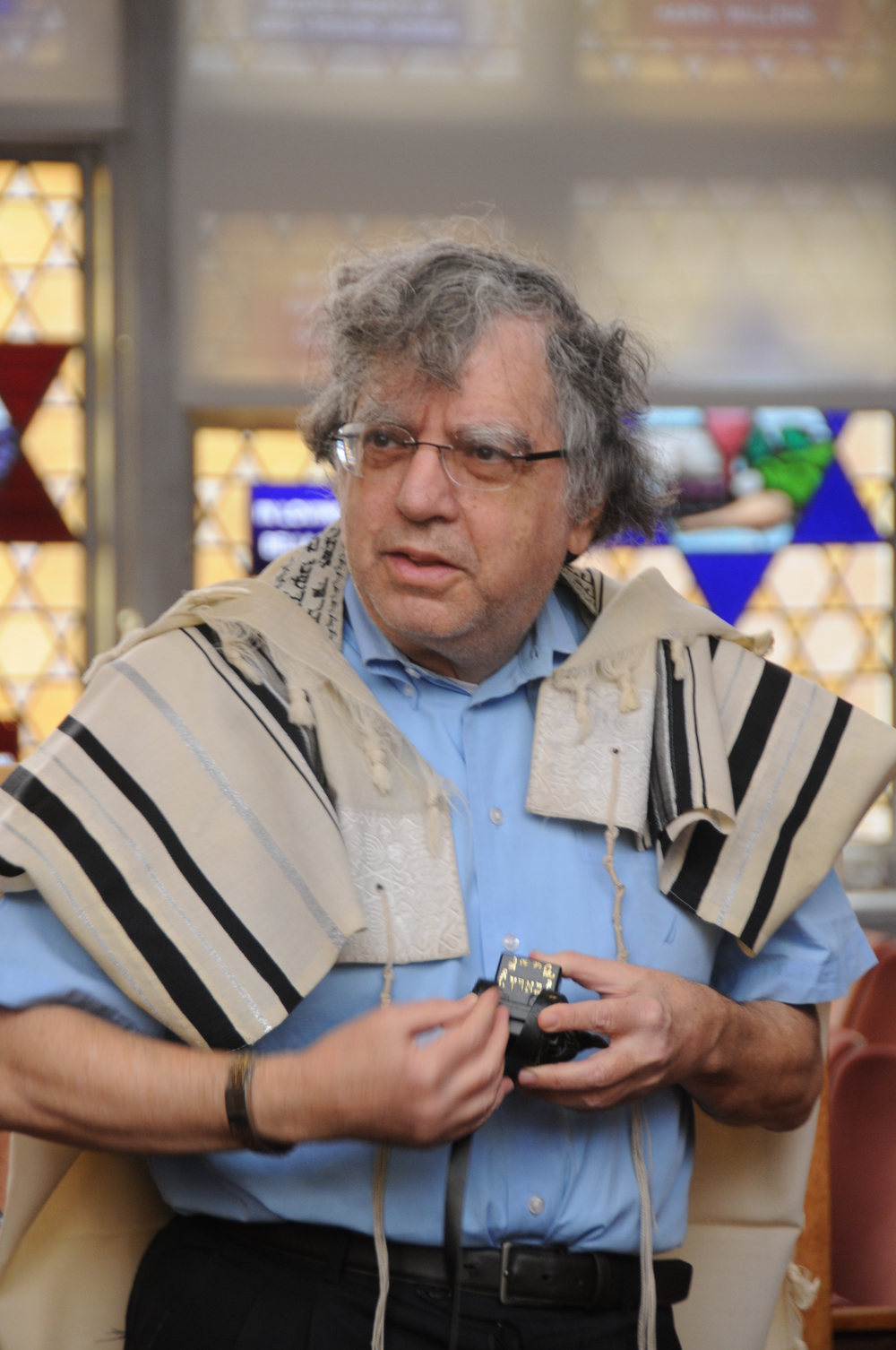 Steven Lesh, Esq. joins the LPJC Morning Minyan