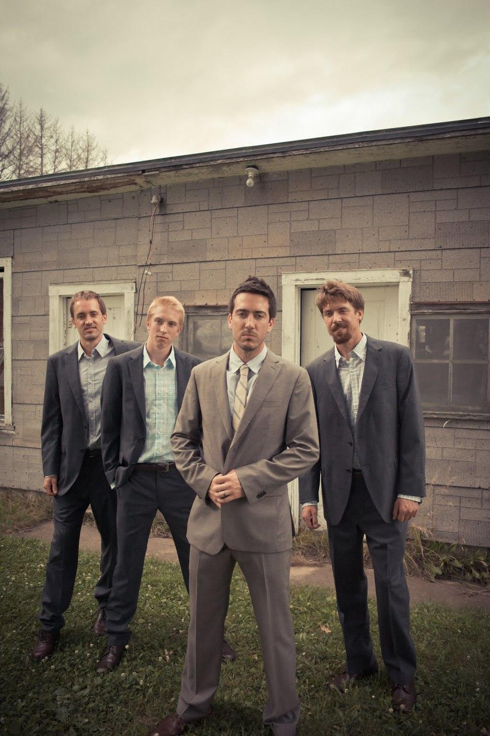 6_Forsberg_groomsmen_groom.jpg