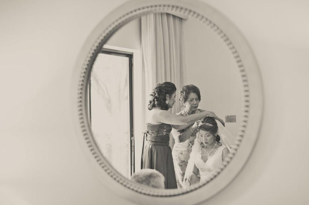Vista_bride_hair_mirror.jpg