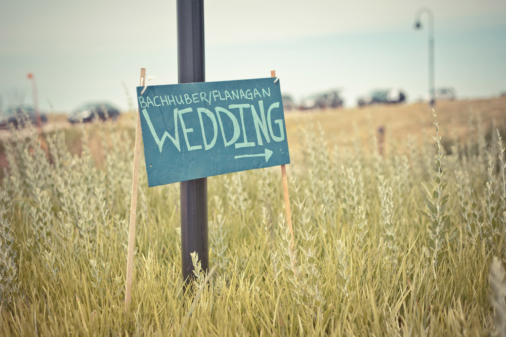 20120623135014_wedding_sign.jpg
