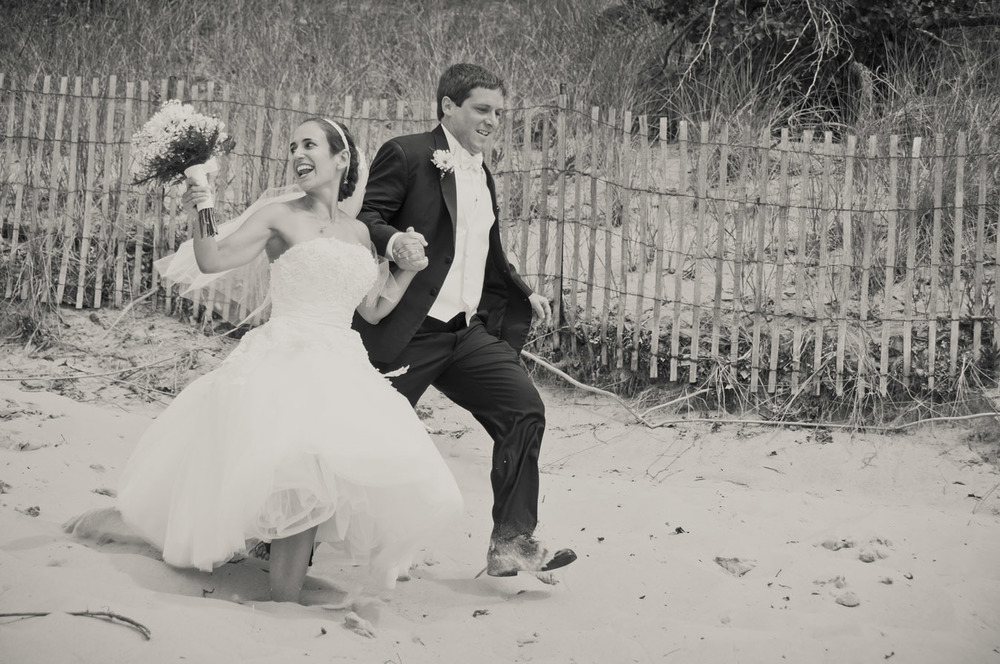 20120623160121_bride_groom_running.jpg