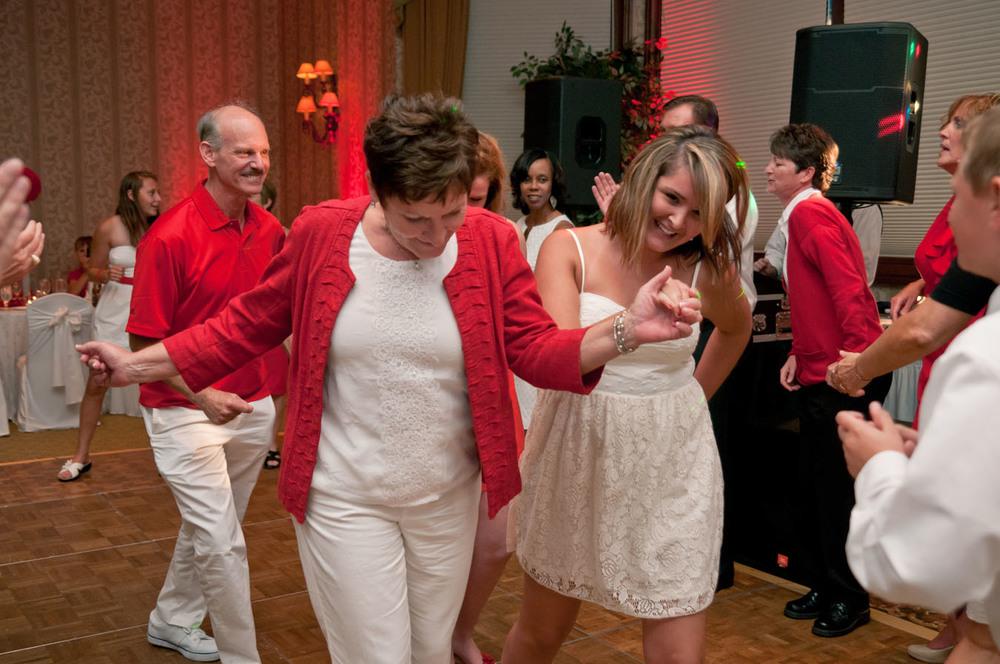 20120720202117_warwick_hills_dance_floor.jpg