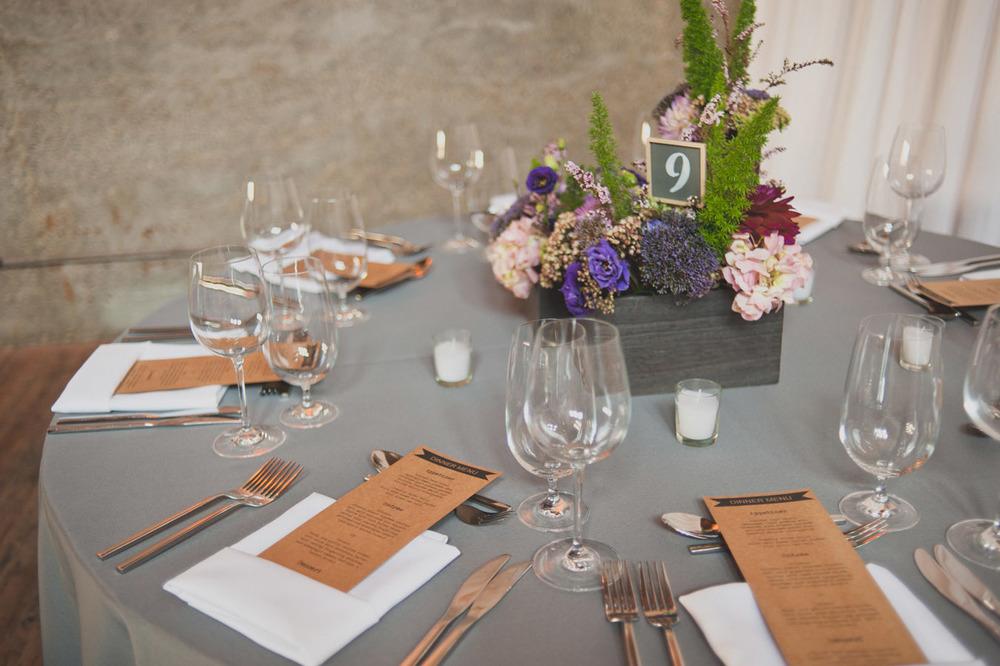 20120902173208_wedding_table_setting.jpg