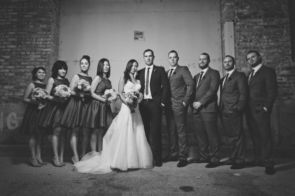 20120902194119_chicago_wedding_party_portrait.jpg