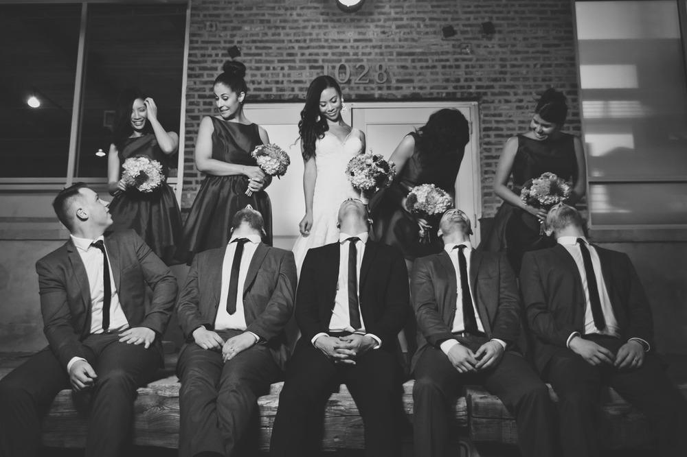 20120902201750_black_white_wedding_party.jpg