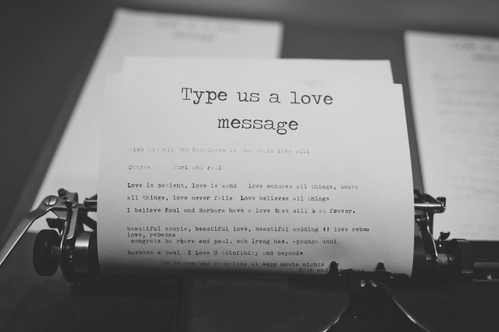 20120902202136_vintage_typewriter.jpg