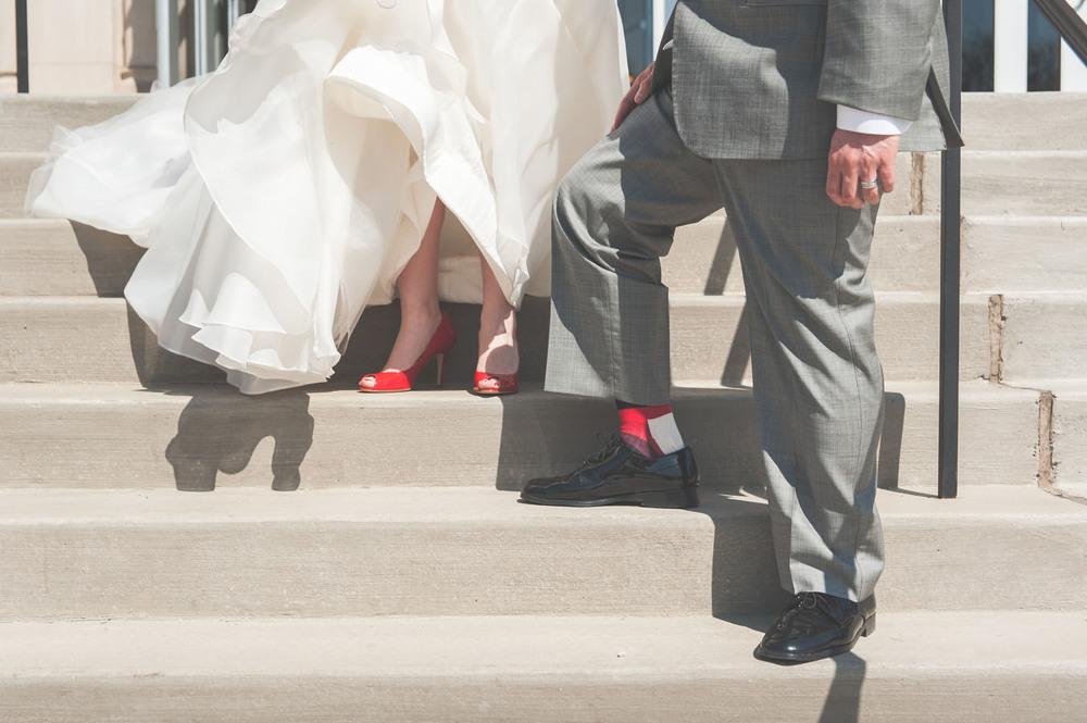 20130427152323_bride_groom_red_socks.jpg