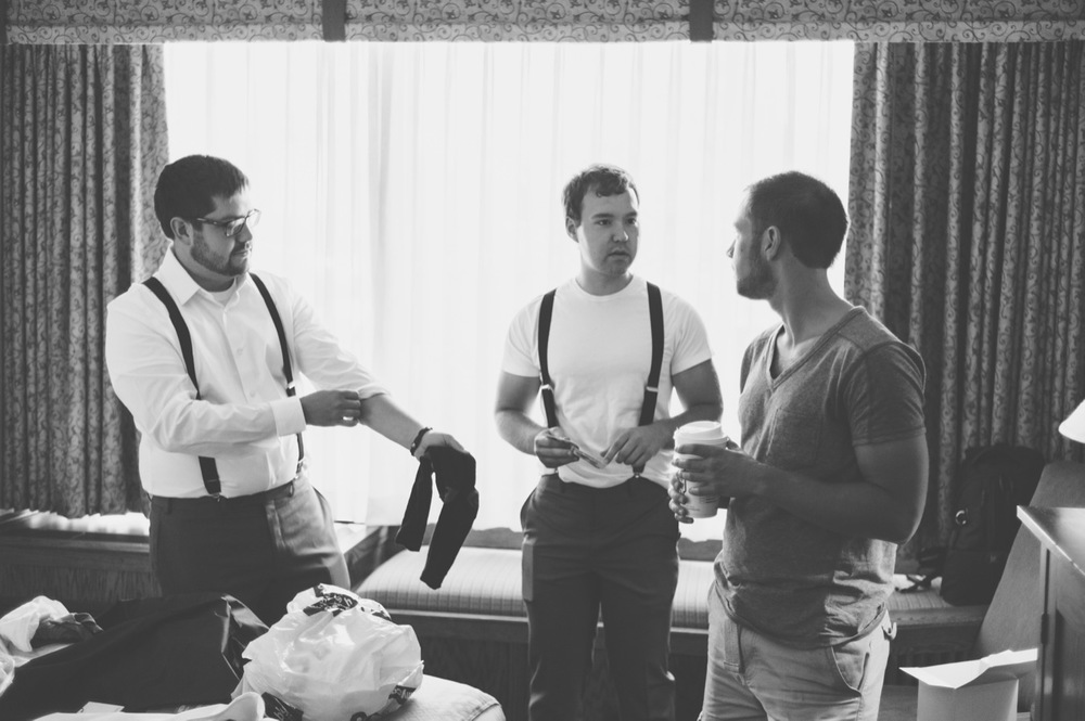 20130803123844_groomsmen_black_white_wedding.jpg