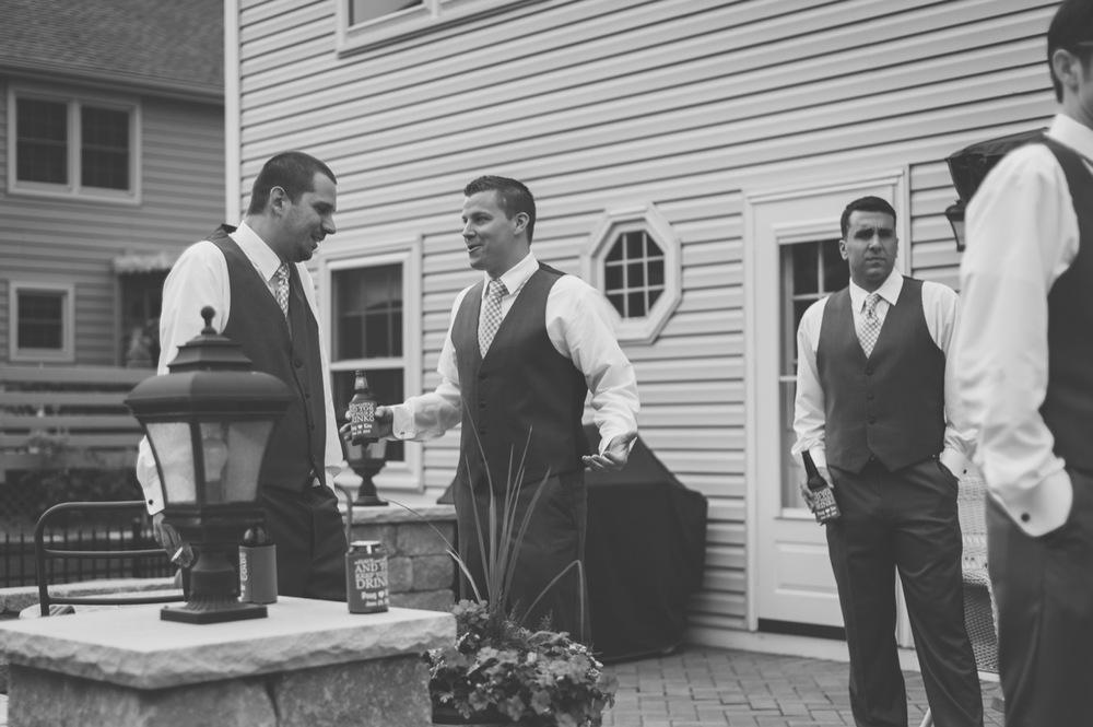 20130629124208_groomsmen_getting_ready.jpg