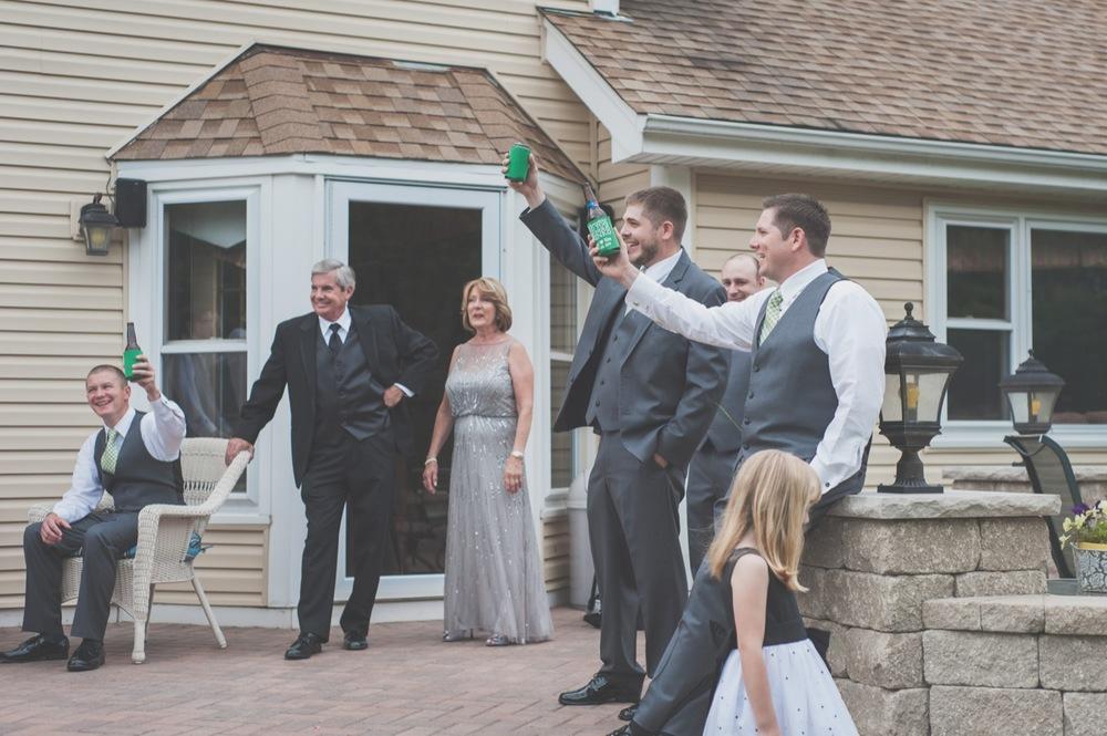 20130629124338_wedding_toast_groomsmen.jpg