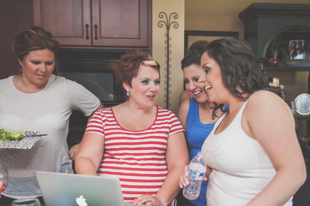 20130629131642_girls_bride_getting_ready.jpg