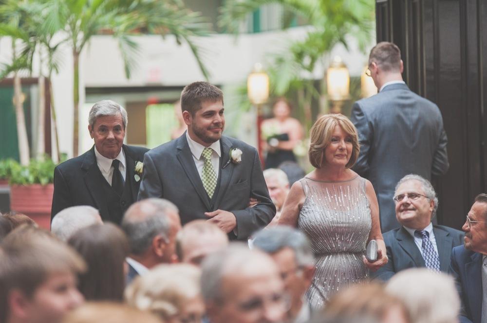 20130629164154_wedding_ceremony_esplande_lakes.jpg