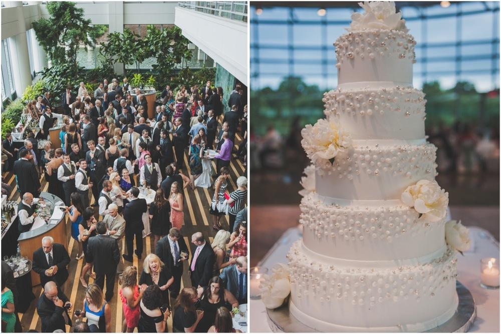 20130629181624_wedding_cake_esplande_lakes.jpg