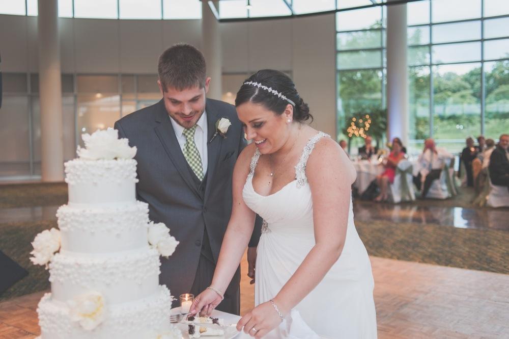 20130629192136_cutting_cake_wedding_photo.jpg