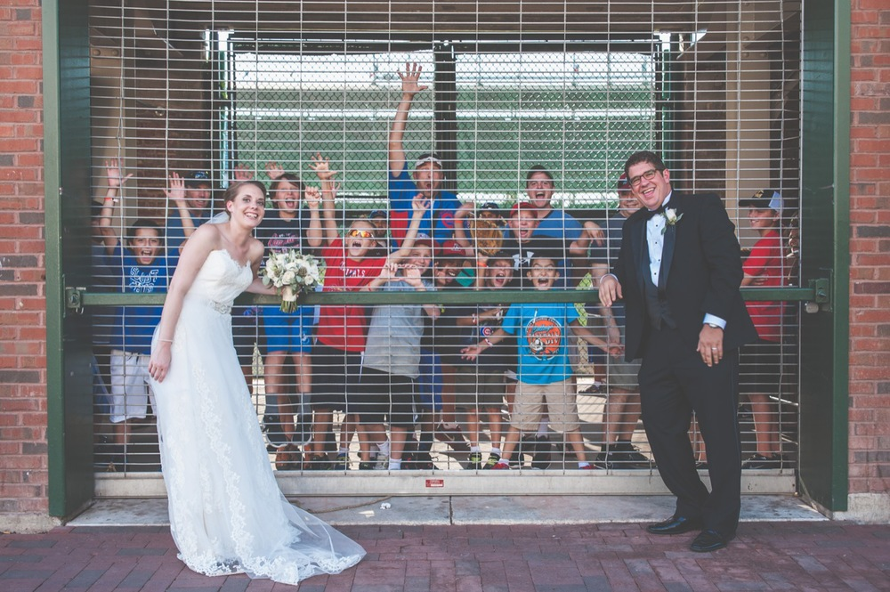 20130824164337_chicago_wedding_photography_wrigley_field_city.jpg