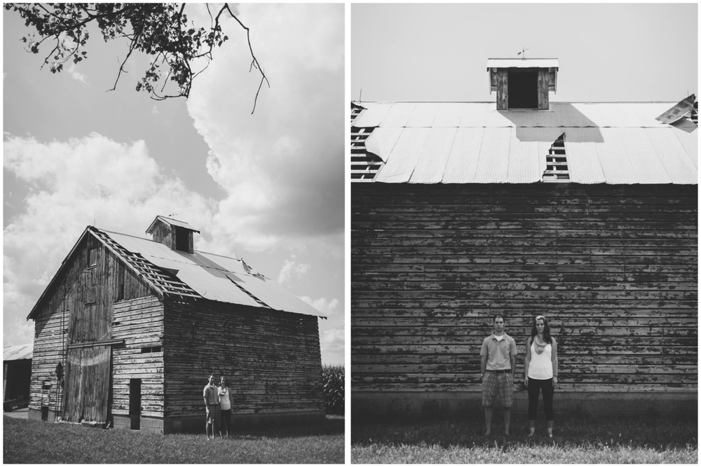 20130804151909_Chicago_engagement_photography_vintage_barn_outdoor.jpg