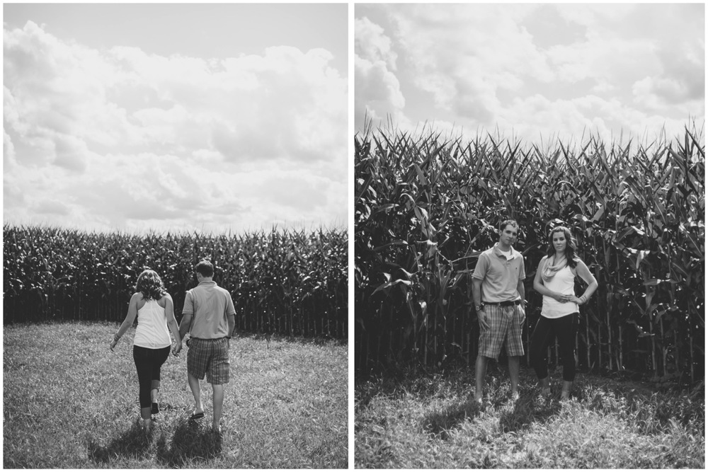 20130804151910_Chicago_engagement_photography_vintage_barn_outdoor.jpg