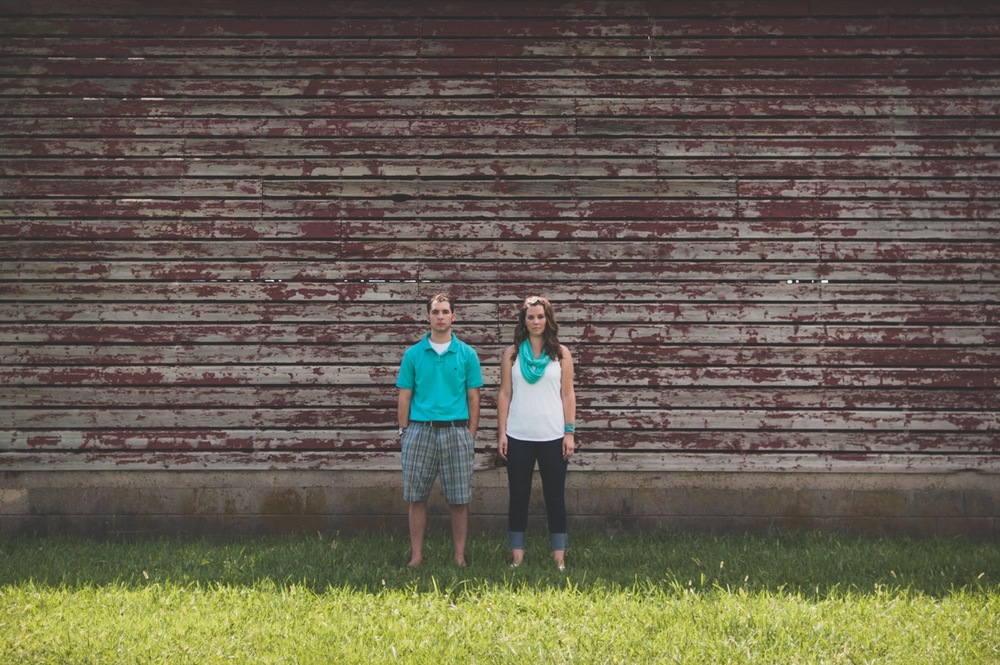 20130804152031_Chicago_engagement_photography_vintage_barn_outdoor.jpg