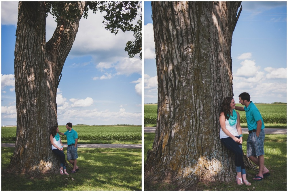 20130804152723_Chicago_engagement_photography_vintage_barn_outdoor.jpg