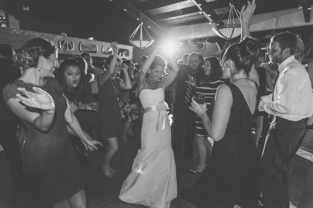 20130928212420_Chicago_wedding_Photography_Pheasant_Run_resort_vintage.jpg