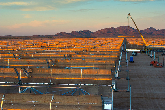 Abengoa's Solana concentrating solar project with thermal storage. (DOE photo)