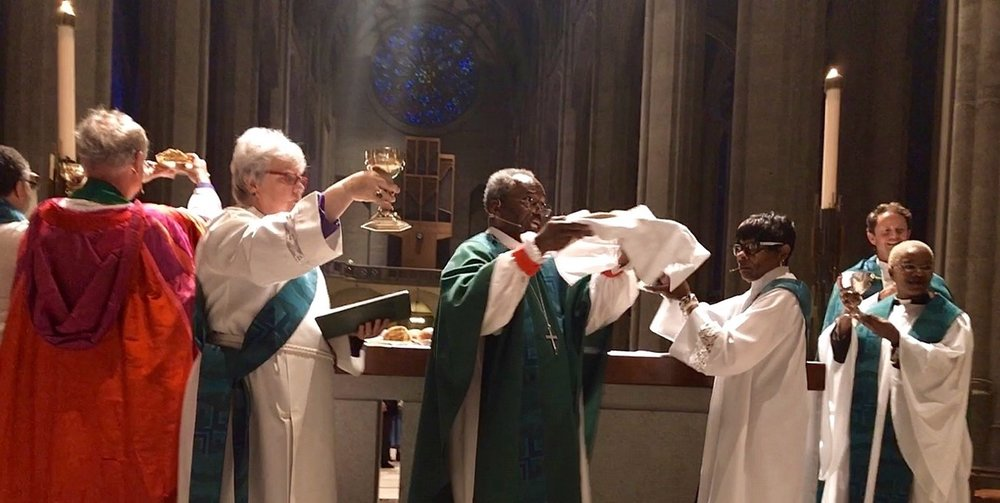 Presiding Bishop Michael Curry celebrating Eucharist with bread baked with Honoré flour at Grace Cathedral in San Francisco